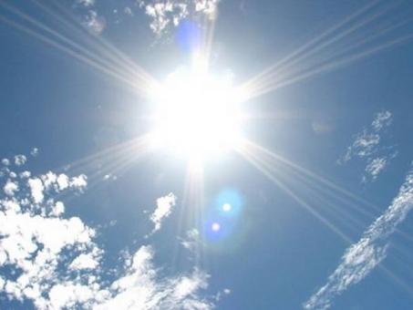 照り返す太陽